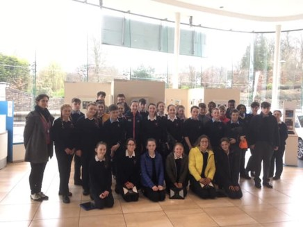 Colaiste Treasa's visit to art exhibition