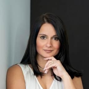 Author Reena Korde Pagnoni