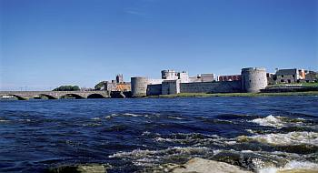 Ireland County Limerick King Johns Castle Over The River Shannon