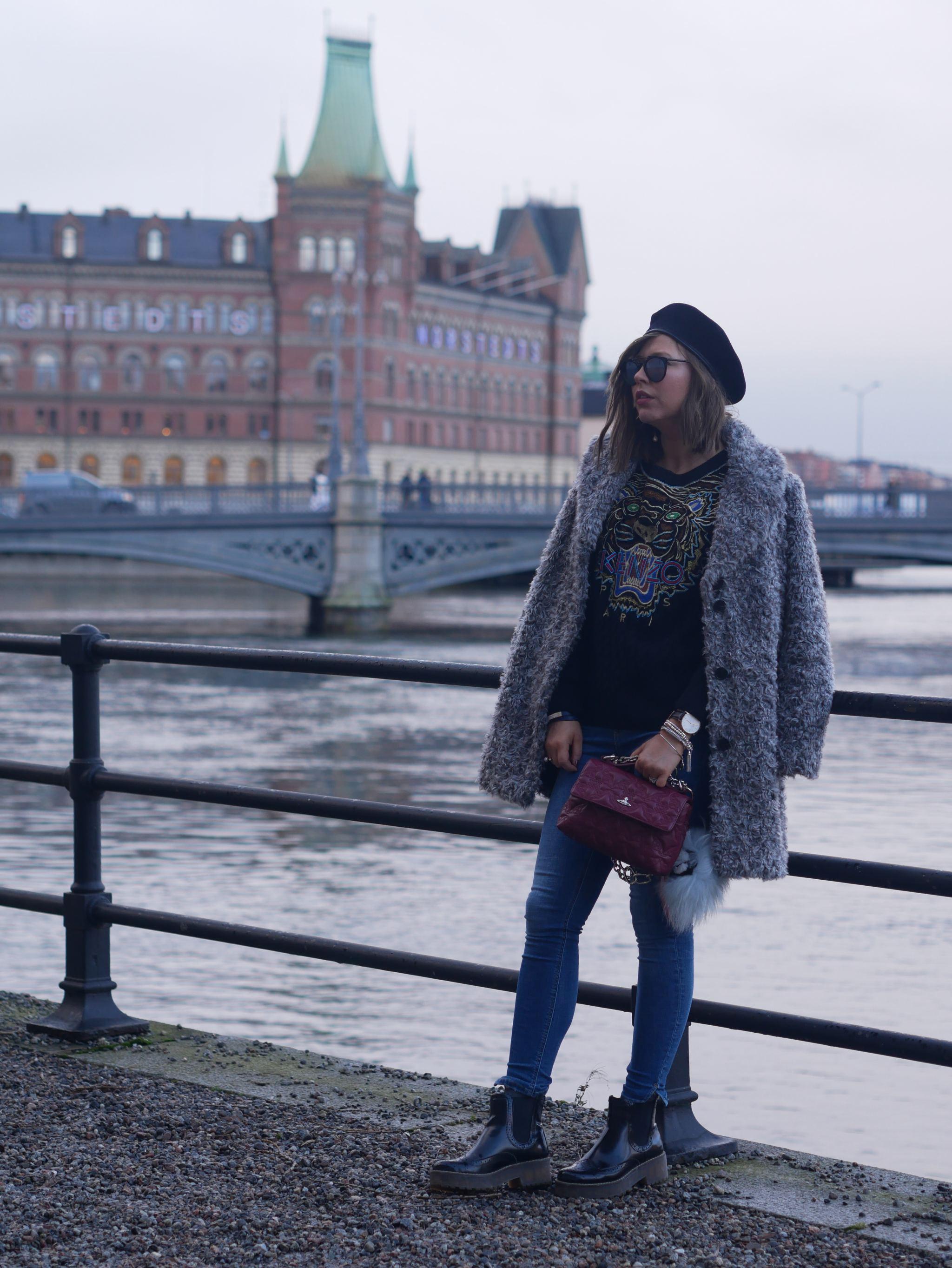 vivienne westwood bag , beret , fashion , fashion blogger, uk blogger