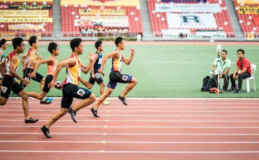 Une course d'athlétisme
