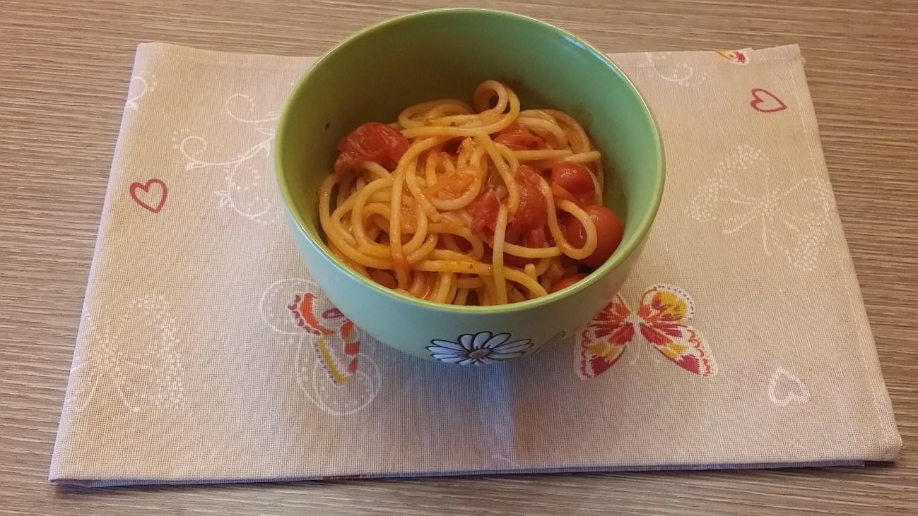Spaghetti con i pomodorini a modo mio