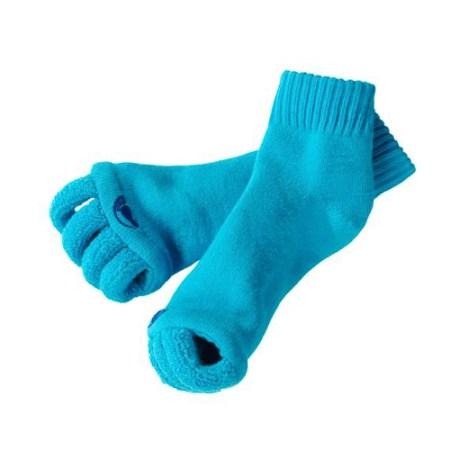 Praktische Gadget-Socken für warme Füsse bei der Pediküre