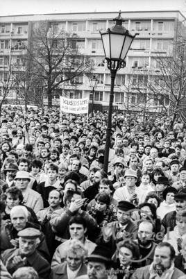 Demonstration Domplatz - Magdeburg 1990