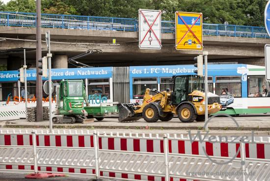 Baustelle City-Tunnel Magdeburg – Bagger am Damaschekeplatz