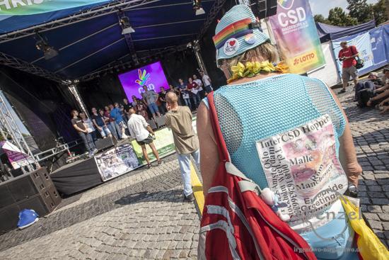 Magdeburg in Regenbogenfarben – CSD-Stadtfest auf dem Alten Markt