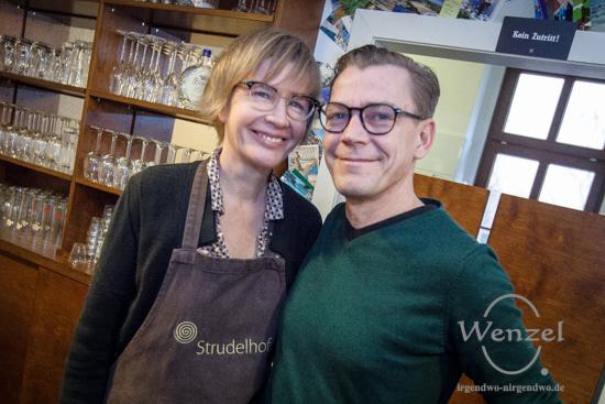 Andreas Bellini & Karolin Köppe leben die österreichische Kaffeehauskultur
