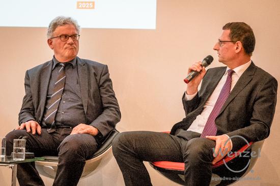 Prof. Dr. Matthias Puhle – Kulturbeigeordneter der Stadt Magdeburg (l.) und Prof. Dr. Michael Naumann – Direktor des Institutes für Experimentelle Innere Medizin, OVGU