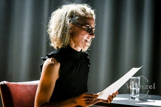 Magdeburger Kulturnacht 2016  –  Campustheater –  Diana Grottke liest erotische Gedichte –  Foto Wenzel-Oschington.de