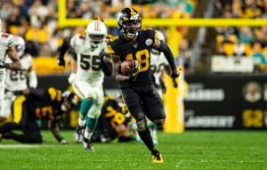 The Pittsburgh Steelers keeps the Miami Dolphins winless