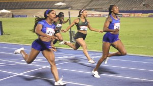 Elaine Thompson runs world-leading 22.00 seconds flat to win 200 metres at Jamaican National Trials