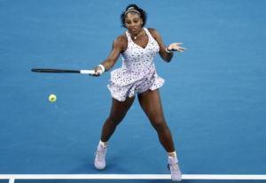 Serena Williams advances to the third round of Australian Open