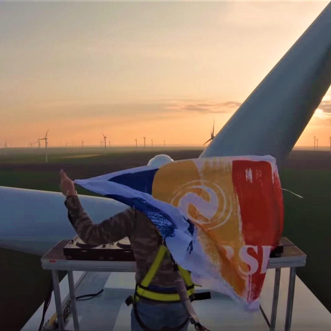 NEVERSEA, primul festival din lume alimentat cu energie verde, din sursă eoliană