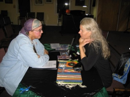 Personal Appearances : About Silhouette : Silhouette's Salon, Iris Colored Dreams, Silhouette with Reverend Annie of Umpqua Unitarian Universalist Church in Roseburg, Oregon