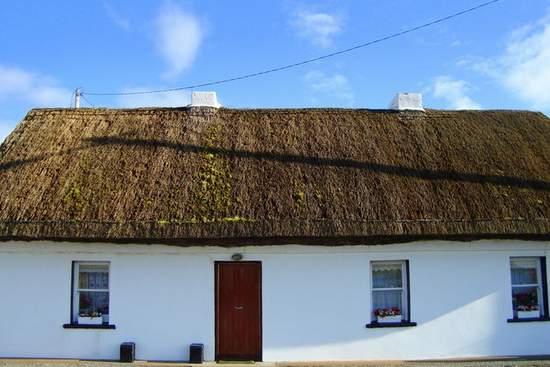 Whitewashed Thatched Cottage In Co. Donegal - © Copyright Louise Price and licensed for reuse under Creative Commons License