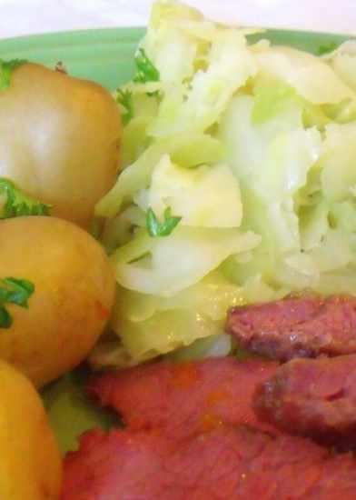 http://www.irishamericanmom.com/2012/03/05/how-to-cook-cabbage-irish-style