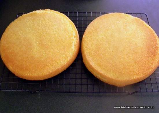 Cooling sponge cake on a wire rack