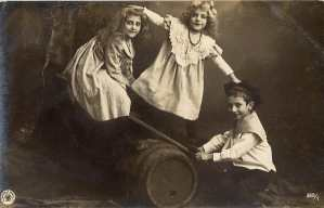 http://www.vintagerio.com/children_postcard_photos_g96-children_photographs_p13657.html