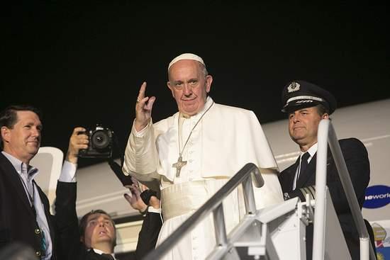 Pope Francis Leaving Philadelphia September 2015