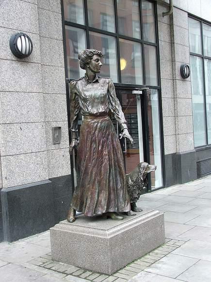 Statue of Constance Markiewicz in Dublin