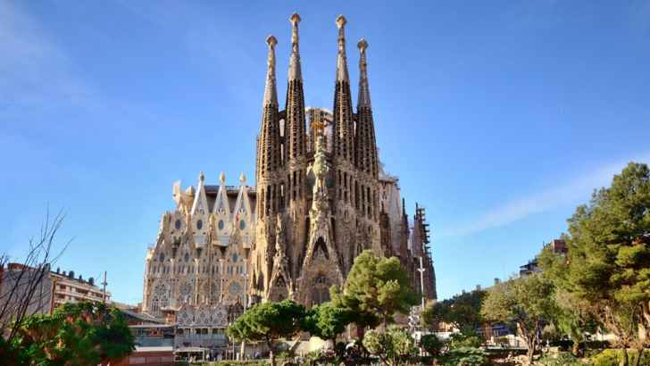 Barcelona's sign of the invisible God is building
