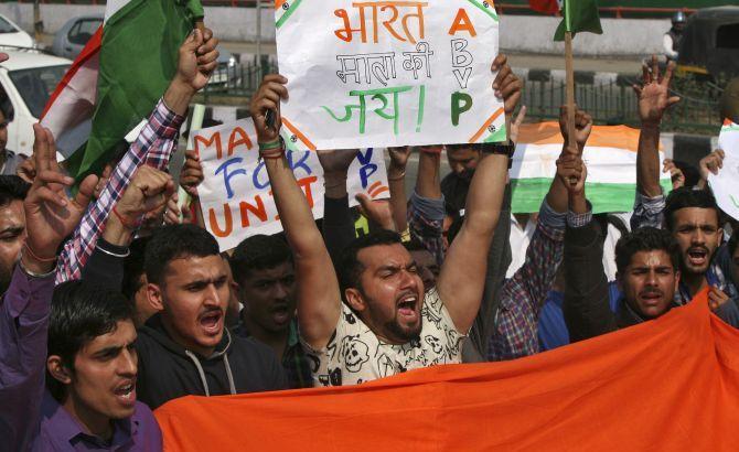 Britain scolds India over religious freedom