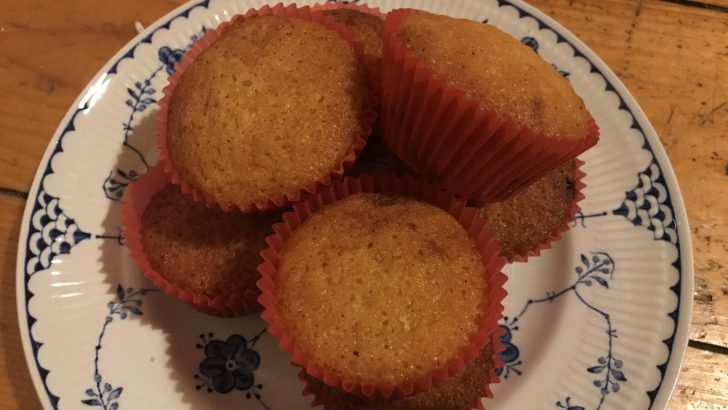 Cherry and raisin fairy cakes – a blast from the past!