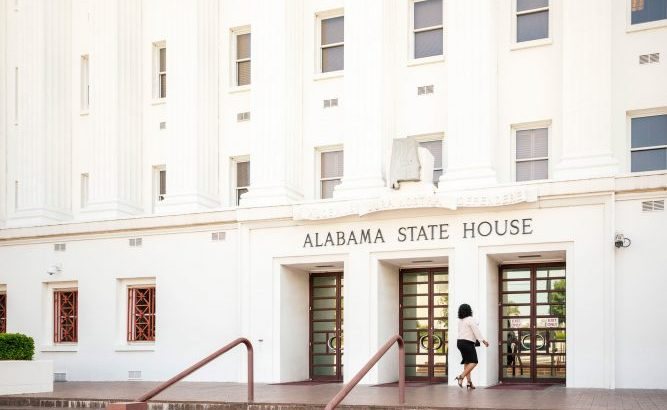 Alabama bill to outlaw abortion