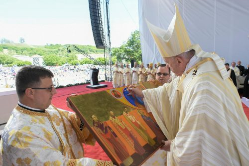 Pope Francis remembers bishops martyred under Communism