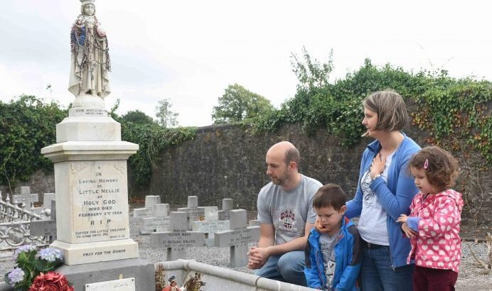 Developers refuse faithful access to Little Nellie's grave
