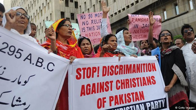 Pakistani Christian accused of blasphemy by wife and daughter