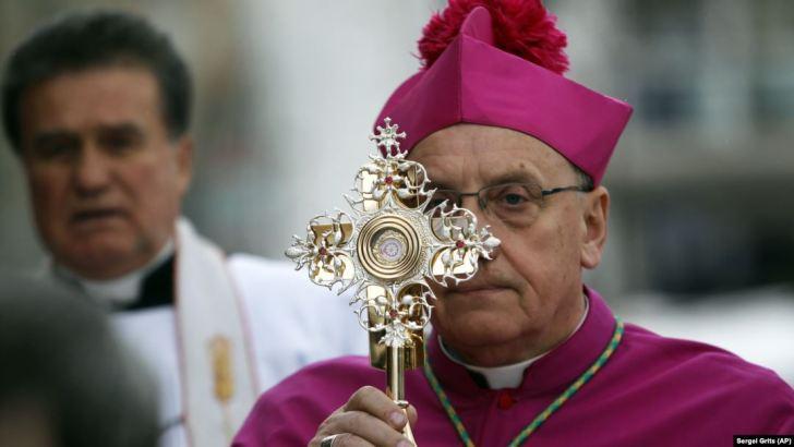 Catholicism's accidental exile captures drama of post-Soviet world