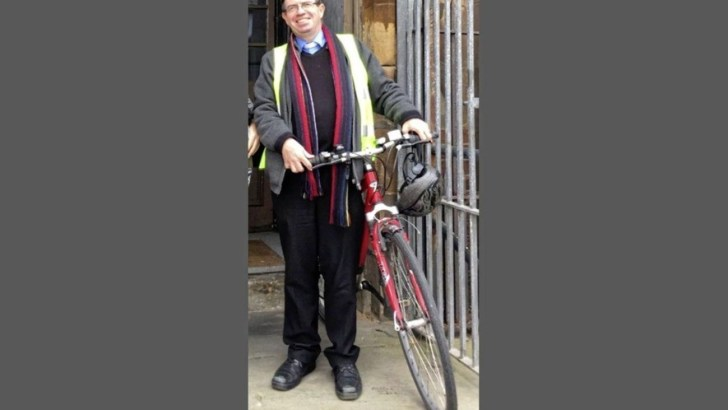 Victim of bike thieves, priest exhorts public to donate bikes to refugees