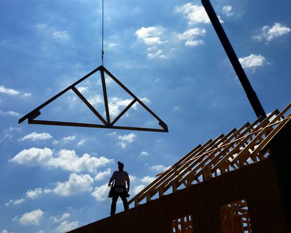Many builders' greatest fear is running out of work so they take on too much and the clients can suffer in terms of quality and missed deadlines.