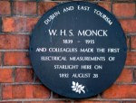 Plaque to W. H. S. Monck (c) Wikimedia, (CC BY-SA 3.0)