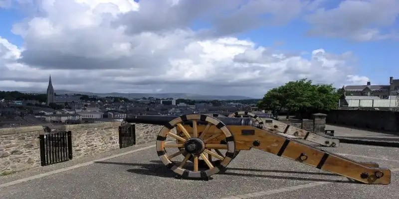 Derry City Walls - Irish Rugby Tours, Rugby Tours To Derry