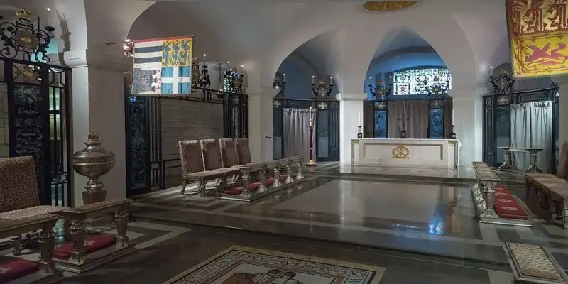 St.Pauls Cathedral Crypt Chapel - Londons' Fantastic Freebies, Irish Rugby Tours