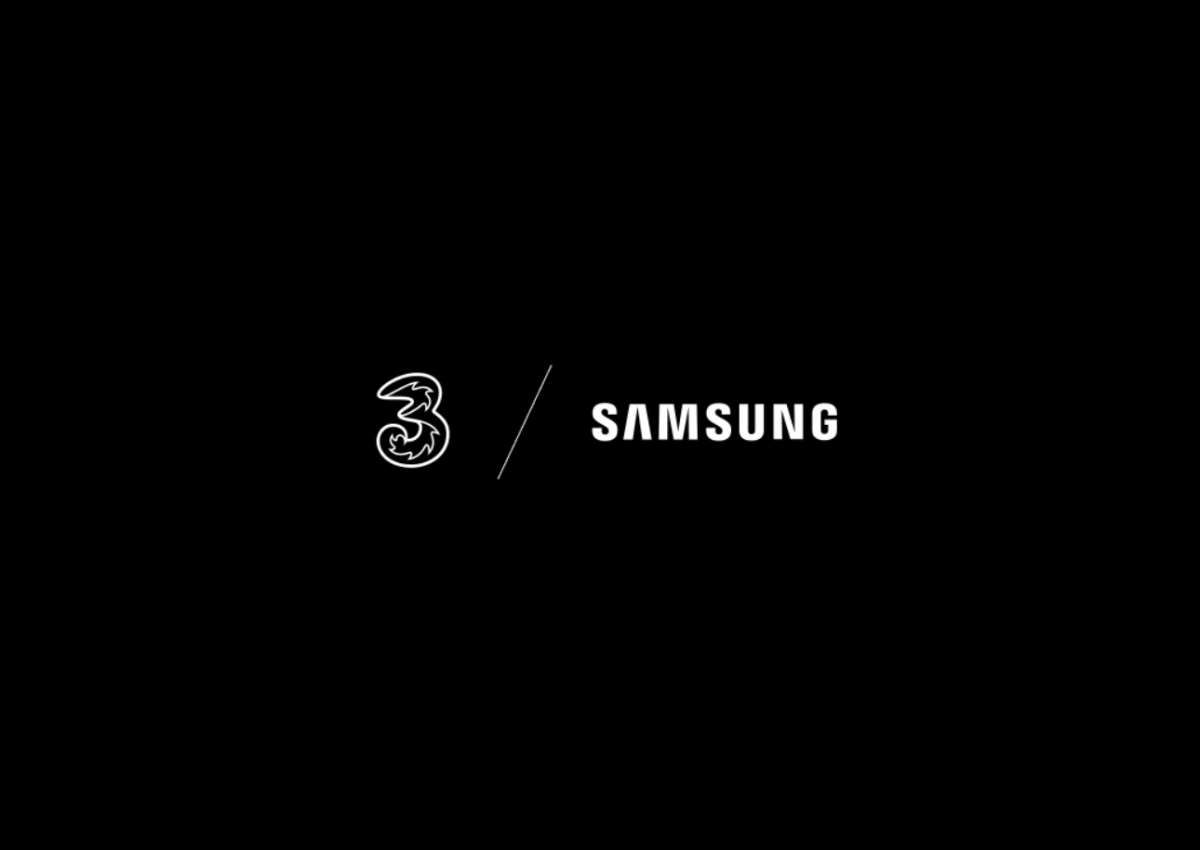 """Samsung and Three open the """"Connected"""" restaurant"""