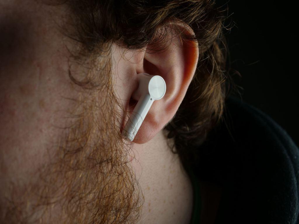 OnePlus Buds Z in ear