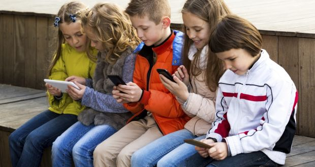 The authors of the study of 8,000 children say long periods of unsupervised time using the internet, watching TV or playing computer games have a negative impact on students.