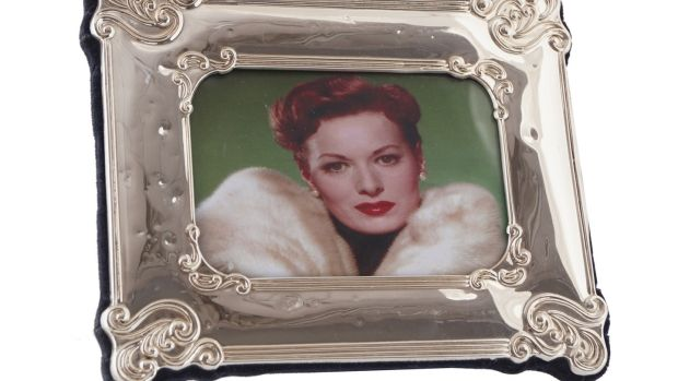 Photograph of Maureen O'Hara wearing her Christian Dior mink, which is up for auction estimated at €3,000-€5,000.