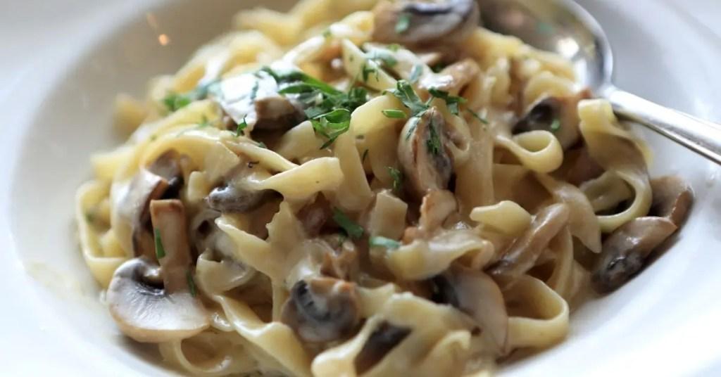 Fettuccine in Mushroom Cream Sauce
