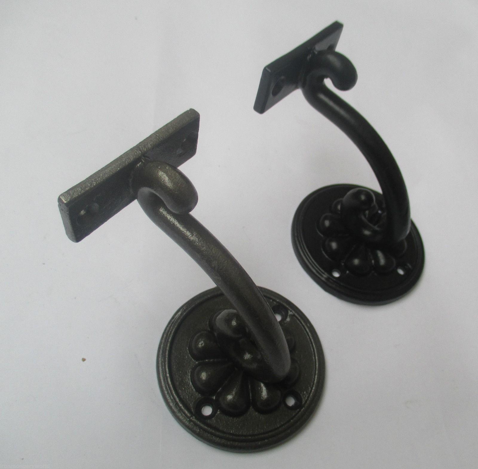 1 X CAST IRON ORNATE FANCY HAND RAIL STAIR BRACKET