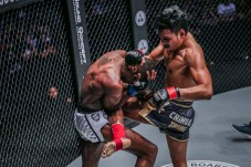 3 Chamuaktong Fightermuaythai vs Brown Pinas (3)