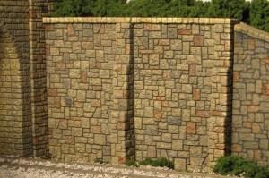 Monroe Models HO Retaining Wall Random Stone (2 pcs) 108