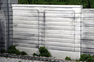 Monroe Models HO Retaining Walls Groove Face Concrete (2 pcs) 114