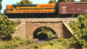 Monroe Models N Scale Stone Arch Bridge Kit #9001