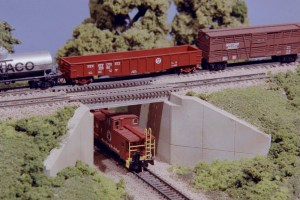 Monroe Models N Scale Concrete & Girder Bridge Expansion Kit #9006