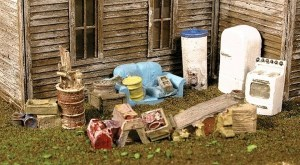 Monroe Models HO Mini-Tales Backyard Junk Set #2302