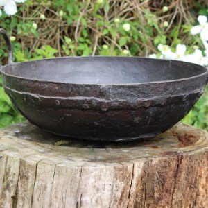 OLD INDIAN COOKING POT PLANTERS MK2